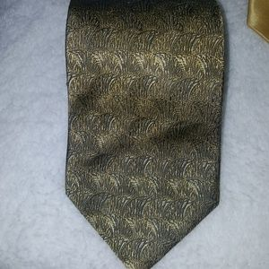 Like New Robert Talbott tie